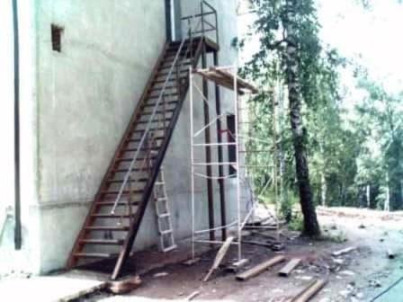 Эвакуационная металическая лестница