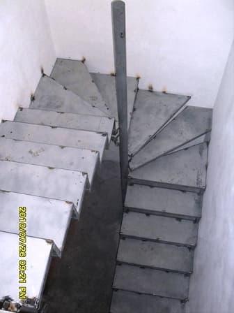 Винтовая забежная лестница