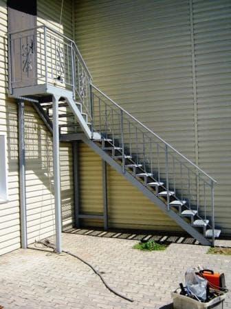 Лестница в чердачное помещение